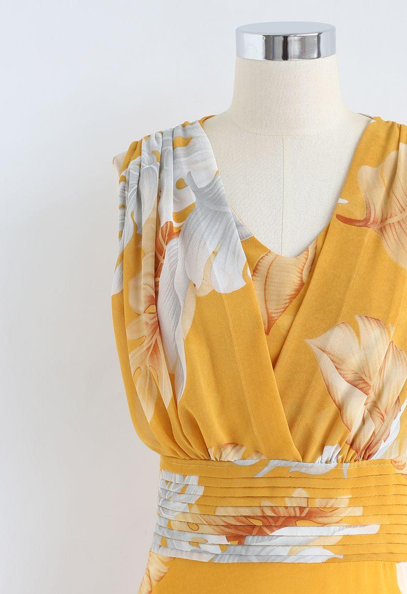 Senf Tropical Leaf Plissee ärmelloses Chiffon Kleid