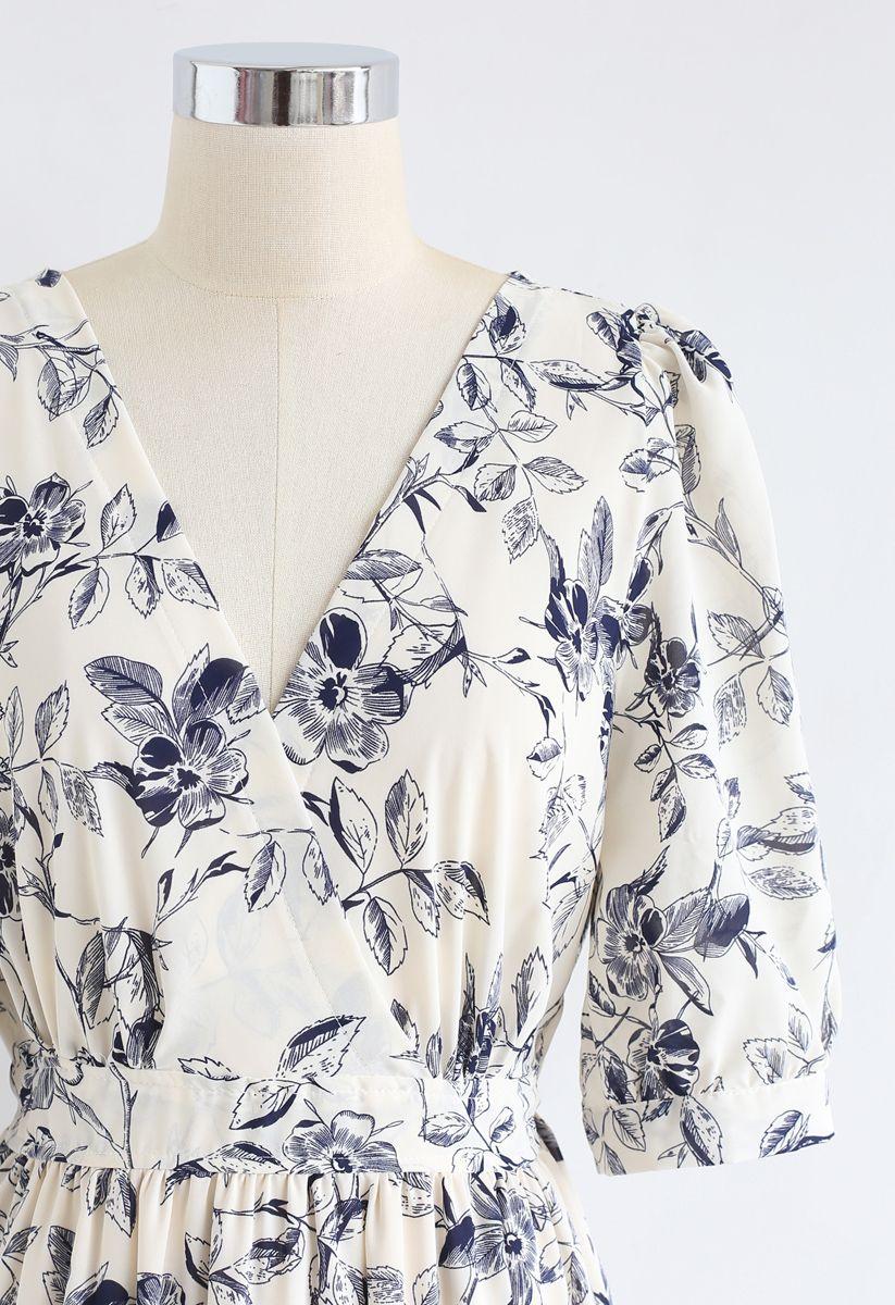 Navy Floral Frilling Wickelkleid