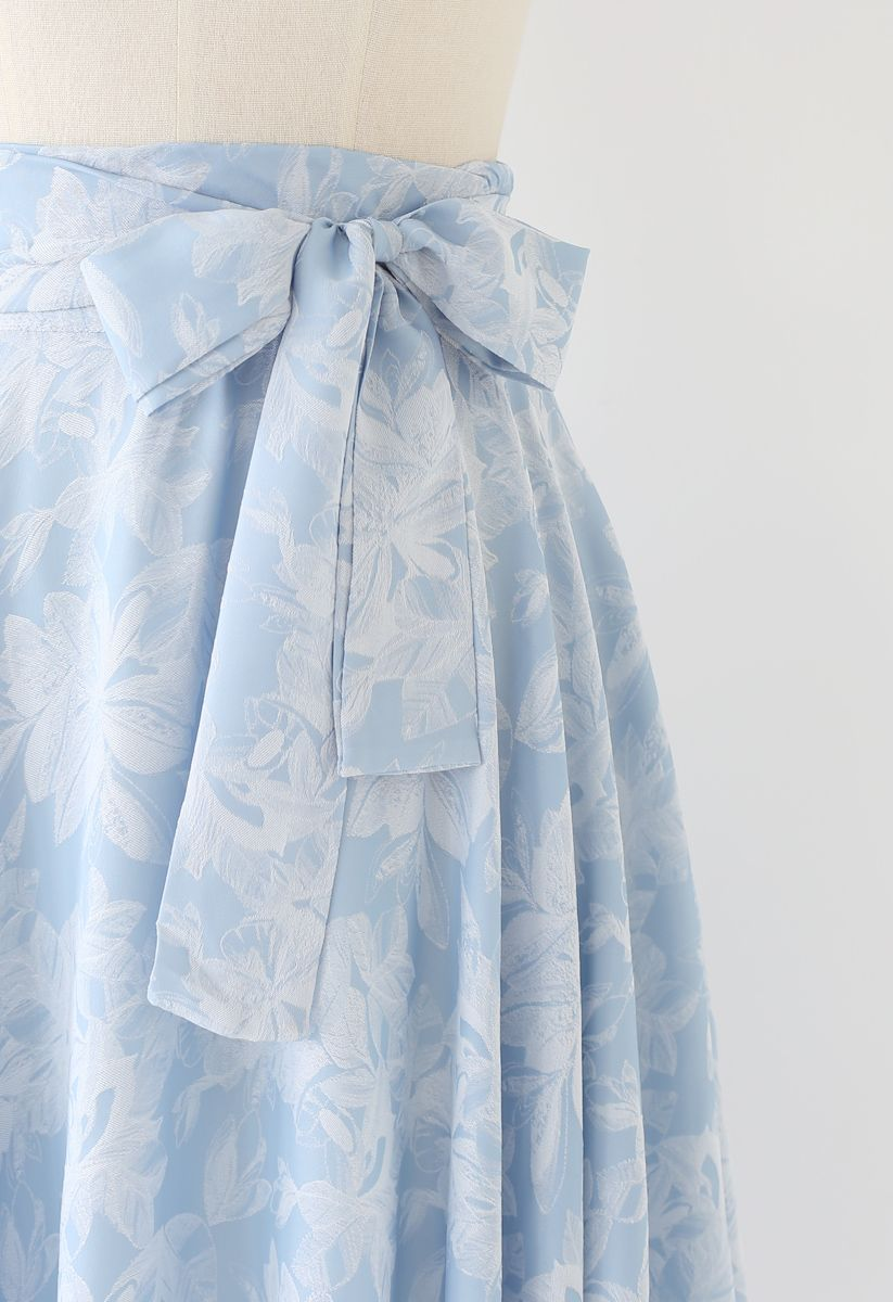 Sassy Leaves Jacquard Bowknot Waist Midi Skirt in Sky Blue
