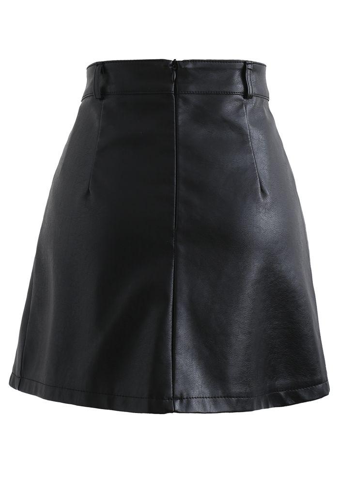 Belt Detail Faux Leather Pleated Mini Skirt in Black