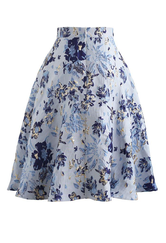 Blauer Jacquard Midirock mit Blumenprägung