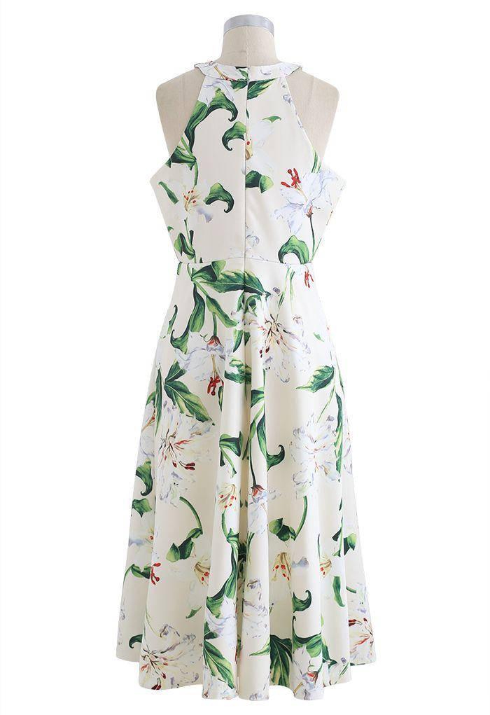 Wunderschönes Midikleid mit Neckholder und Blumendruck in Grün