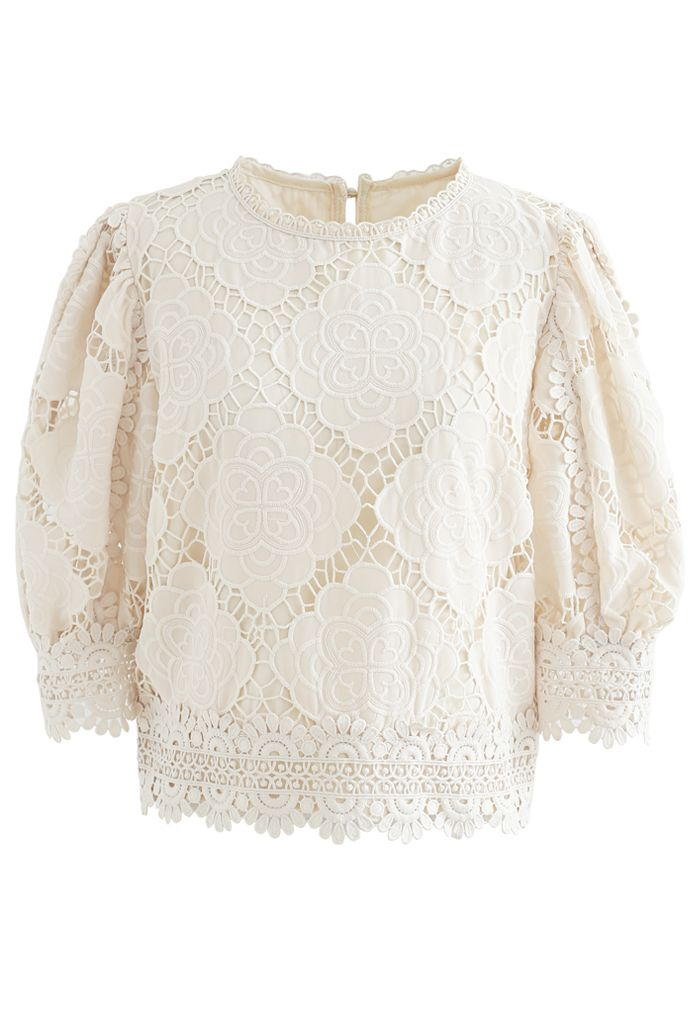 Blooming Flowers Crochet Bubble Sleeves Top in Creme