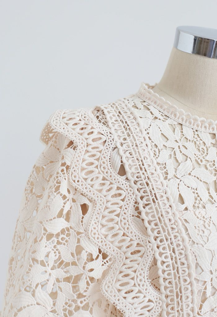 Lush Leaves Crochet Top in Creme