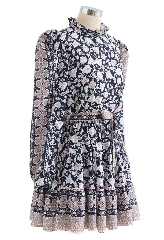 Exotic Bloom Puff Schulter Self-Tie Rüschen Kleid in Navy