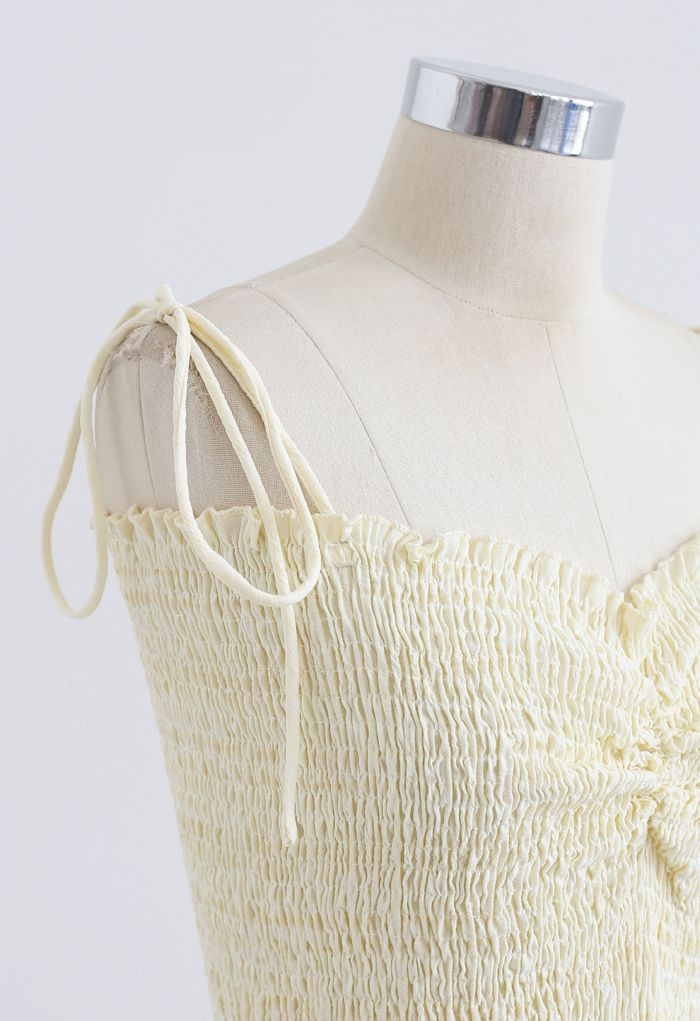 Geraffte vordere Shirring Crop Cami Top in Creme