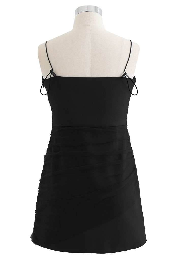 Cami-Minikleid aus Netzstoff mit Rüschen vorne in Schwarz