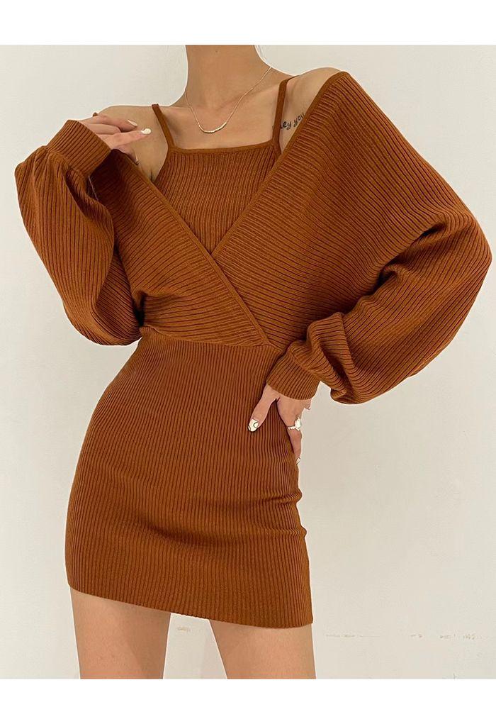 Gefälschtes zweiteiliges Wickelkleid mit kalter Schulter in Karamell