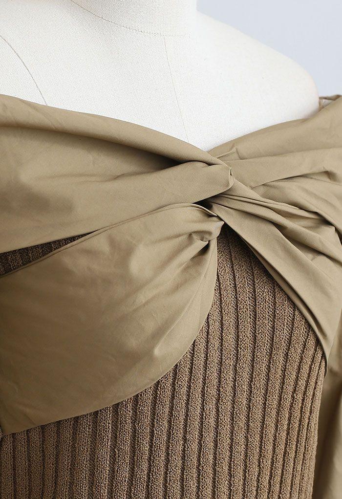 Gespleißtes, kurz geschnittenes, geripptes Strickoberteil mit Twist in Khaki