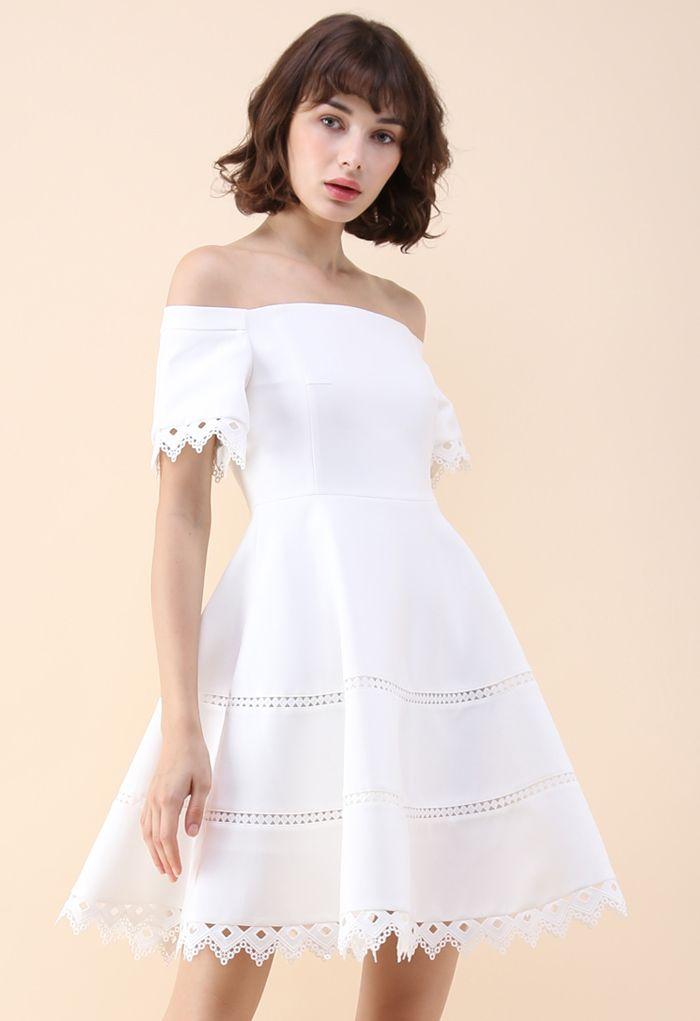 Anmut um dich - Weißes trägerloses Kleid
