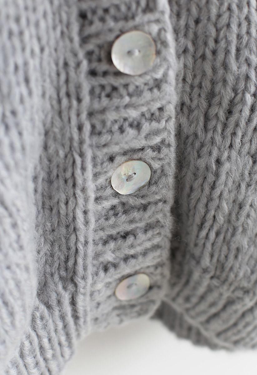 Entscheide dich für die kuschelige graue Strickjacke