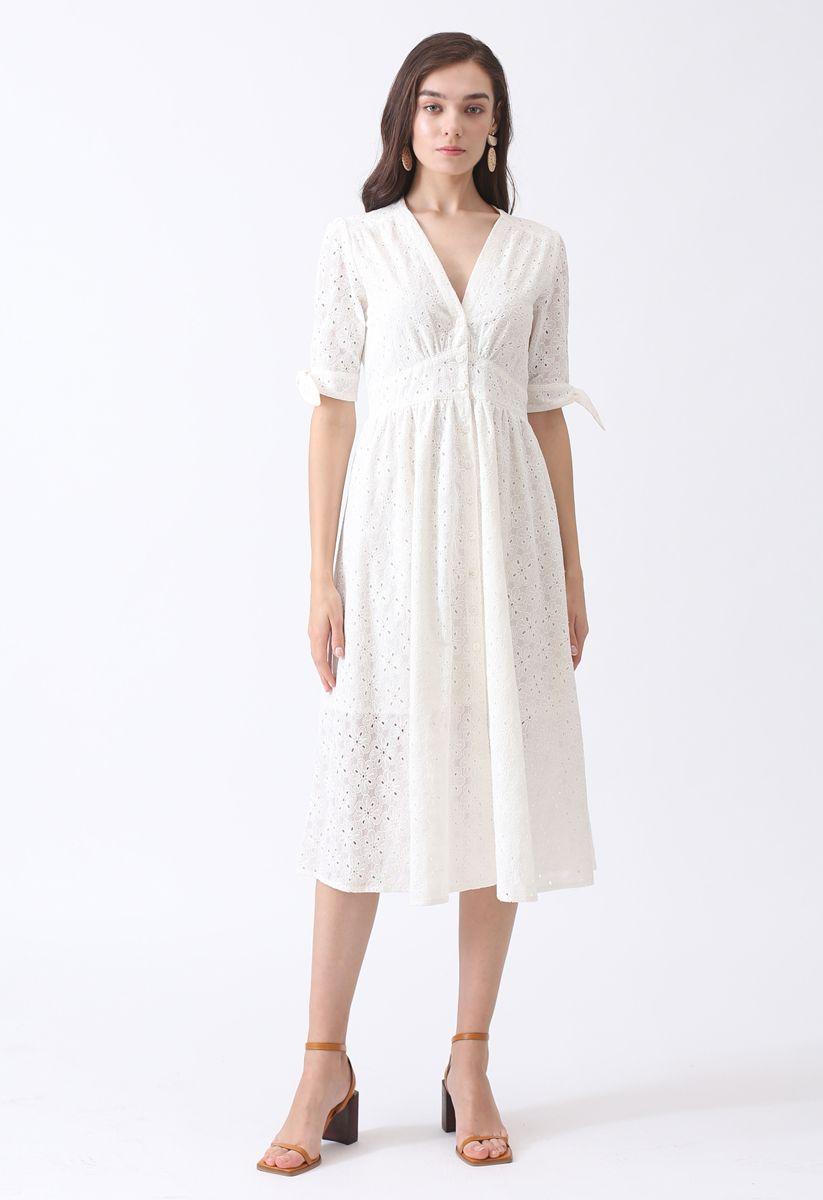Sommer Edition Button-Down-Kleid mit V-Ausschnitt und weißer Blumenstickerei