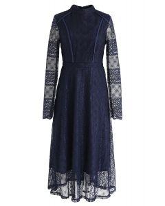 Mock Neck Full Lace Midi Kleid in Navy