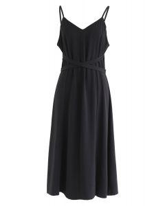 Split Shift verstellbares Cami-Kleid in Schwarz