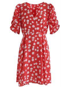 Full-Blown Daisy Print Wrapped Midi-Kleid in Rot