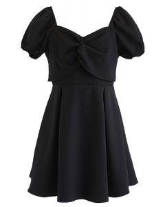 Knoten vorne Sweetheart Neck Plissee Kleid in Schwarz