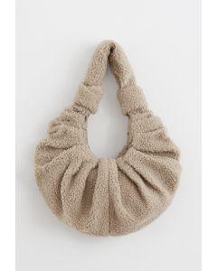 Teddy Schulter Croissant Tasche im Sand