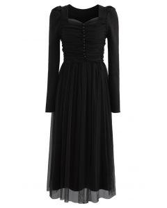 Rippenstrickkleid aus gerolltem Tüll mit quadratischem Hals und Riemen in Schwarz