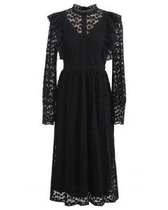 Voll von Daisy Embroidered Ruffle Mesh Midi Kleid in Schwarz