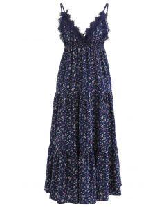 Tauch-Cami-Kleid mit Floret-Rüschen und V-Ausschnitt in Navy