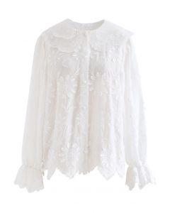 Feines besticktes Hemd mit Organza-Hals in Weiß