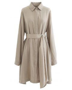 Raffinierte Schärpe Button Down Shirt Kleid in Hellbraun