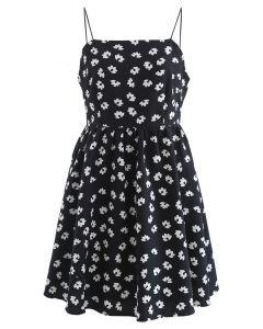 Geprägtes Cami-Kleid mit Blumendruck in Schwarz