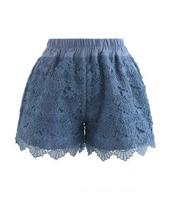 Scallop Crochet Overlay Shorts in Blau