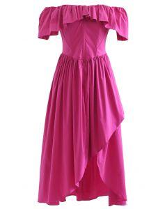 Asymmetrisches Kleid mit Rüschen ohne Schulterklappe in Magenta