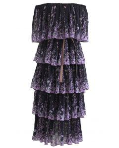 Lavendel bedrucktes plissiertes, schulterfreies, abgestuftes Kleid in Schwarz