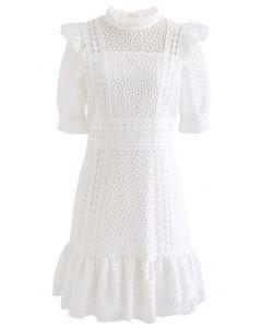 High Neck Full Crochet Minikleid in Weiß