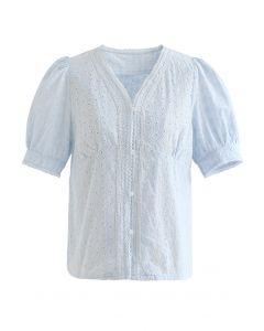 Baumwolloberteil mit V-Ausschnitt und Knöpfen in Himmelblau