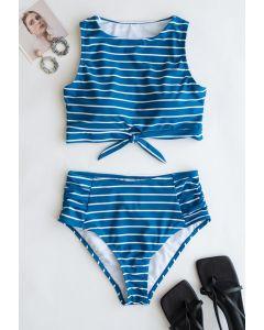 Gestreiftes Bikini-Set mit Schleife und hoher Taille