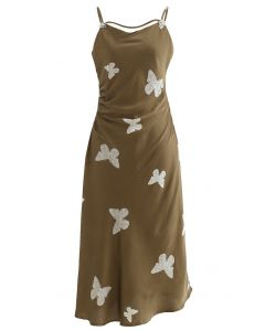 Schlichtes Camisole-Kleid aus Satin mit Schmetterlings-Print in Oliv