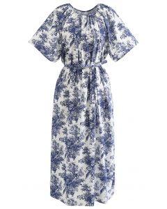 Dolly-Kleid mit ausgestellten Ärmeln und Blumendruck in Marine