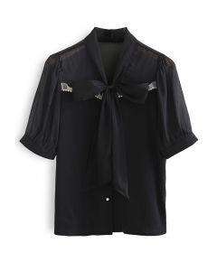 Transparentes, gespleißtes, geknöpftes Top in Schwarz Tie
