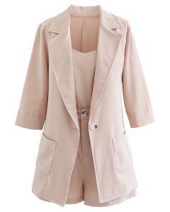 Dreiteiliges Set aus Blazer und Shorts in Blush Pink