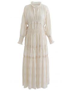 Chiffon-Kleid mit seitlichem Kordelzug und durchgehender Raffung in Creme