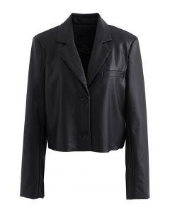 Kurzer Blazer aus Kunstleder mit gepolsterter Schulter in Schwarz