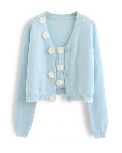Set aus Cami-Top und Cardigan mit genähtem Blumenstrick in Babyblau