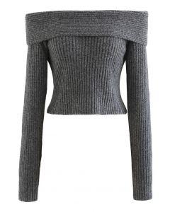 Courtly Off-Shoulder Fuzzy Crop Strickoberteil in Grau