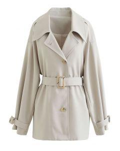 Mantel mit Knöpfen und Gürtel in Elfenbein