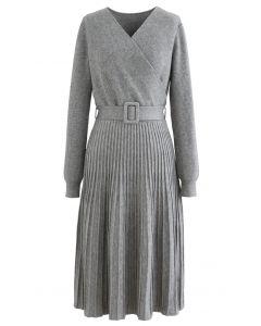 Belted Wrap Rib Knit Midi-Kleid in Grau
