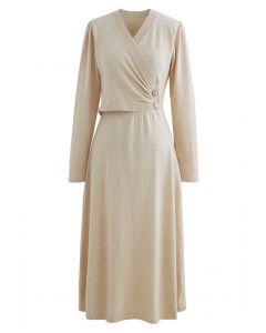 Pearl Button Wrap Strick Midi Kleid in Creme