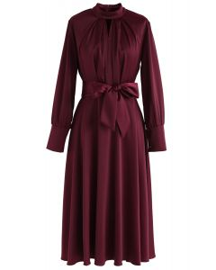 Schnappen Sie sich das Spotlight Bowknot Satin Dress in Wine