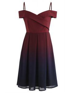 Gradient Revelry Cold-Shoulder-Kleid in Wein