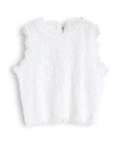Diva – Bauchfreies Top in Weiß voller Spitze