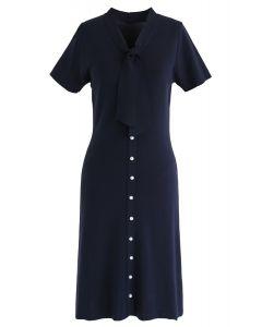 Etwas echtes Strickmidi-Kleid in Navy