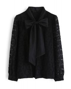 Floral Lace Bow Neck Shirt in Schwarz
